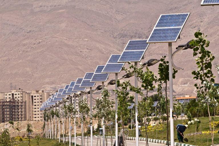 سیستم-روشنایی-خورشیدی-768×512
